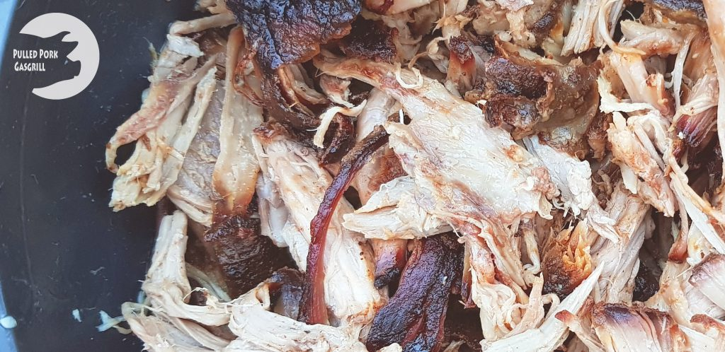 Pulled Pork auf dem Gasgrill gemacht